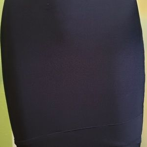 BCBG  MAXAZRIA  Small  Bandage Skirt NWT$ 88